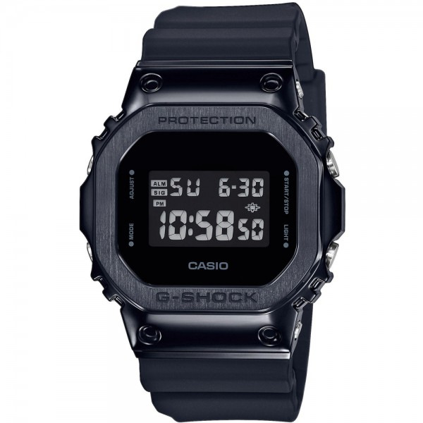 Casio GM-5600B-1ER